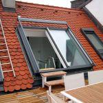 Dachschiebefenster DS - zweiteilig mit offenen Fenster mit Zugang zur Dachterrasse