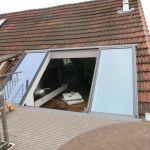 Dachschiebefenster LI - zweiflügelig Aussenansicht Dachterrasse mit offenen Fenstern